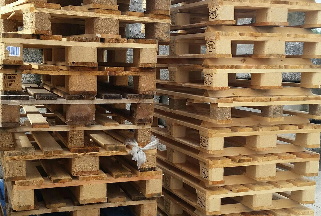 Wood Crate Pallet Removal and Recycling